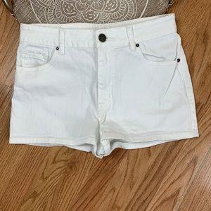 BDG Erin High Rise 5 Pocket Shortie White 27